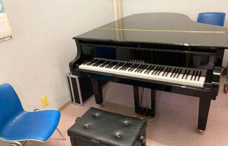 都城センター_個人部屋(グランドピアノ)