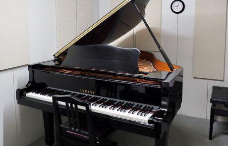大塚センター_個人部屋(グランドピアノ)