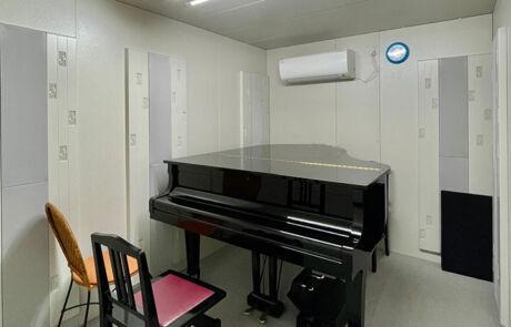 大淀センター_個人部屋(グランドピアノ)