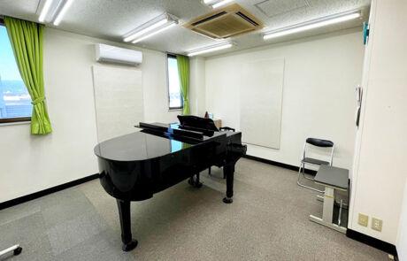 高鍋センター_個人部屋(グランドピアノ)